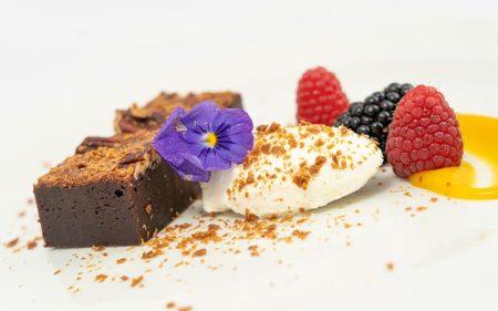 chokoladebrownie hvid chokoladeganache
